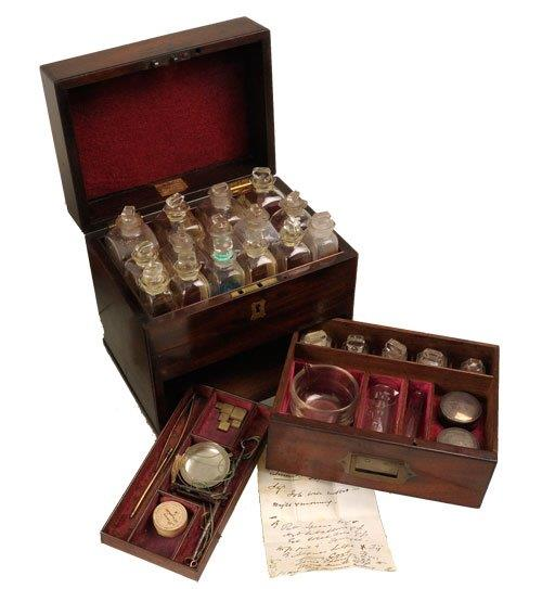204medicine chest van Leest Antiques 330220 (3)