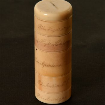 Ivory pill container -van Leest Antiques (1)