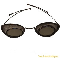 Protective wire screen Glasses - van Leest Antiques (1)