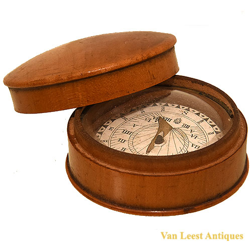 Sundial-compass German floating - van Leest Antiques (2)