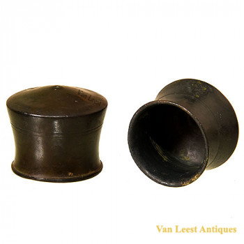 Bronze Bleeding cup  van Leest Antiques (4)