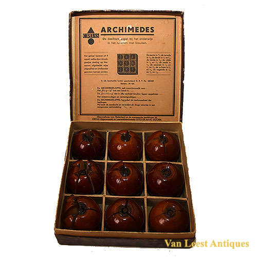 Critas Apple didactic fraction set - Van Leest Antiques (1)