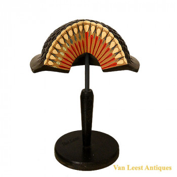 Fly facet eye  - van Leest Antiques (1)