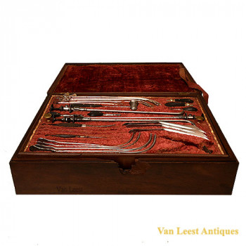 Gallo Urological cased set -  van Leest Antiques (3)