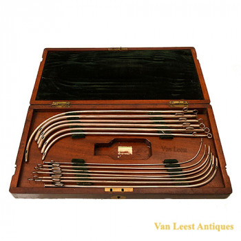 Coxeter catheter set mah. box - van Leest Antiques (1)
