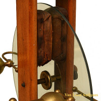 Maison Benevolo wintertype electrostatic machine - van Leest Antiques (4)